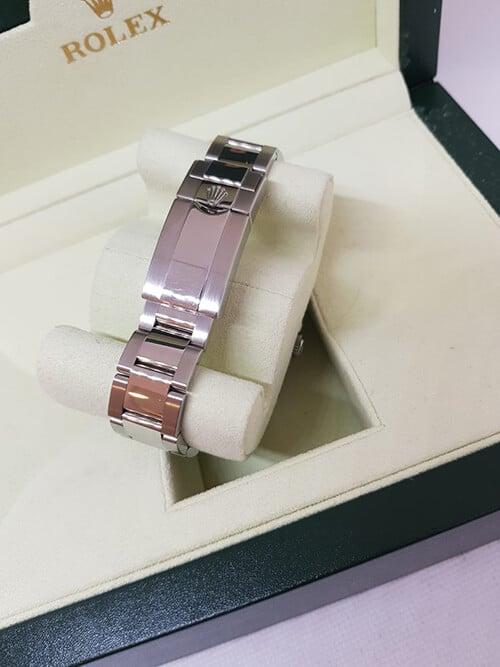 Blick auf die Schließe der Rolex GMT Master II