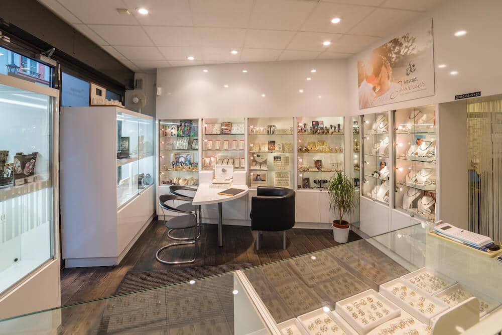 Blick in die Geschäftsräume des Altstadt Juwelier Mainz