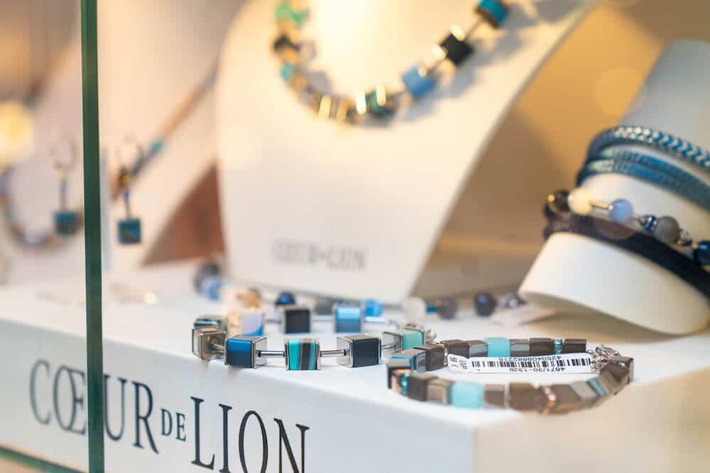 Armbänder, Ohrringe und Colliers von Coeur de Lion in Mainz