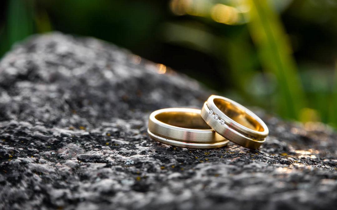 Damit Ihr Trauring schön bleibt: Beste Pflege für den Ehering