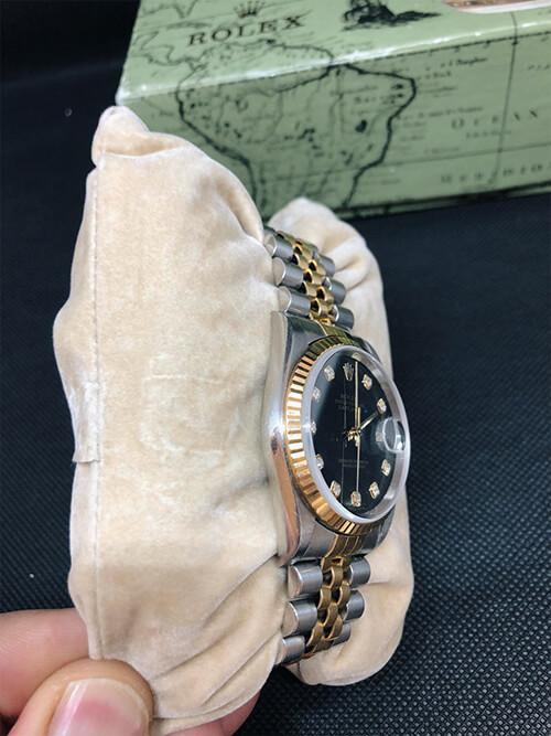 Handaufzug der Rolex Datejust Stahlgold 2002 beim Altstadt Juwelier in Mainz