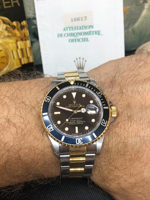 Rolex Submariner Stahlgold 1993 am Handgelenk